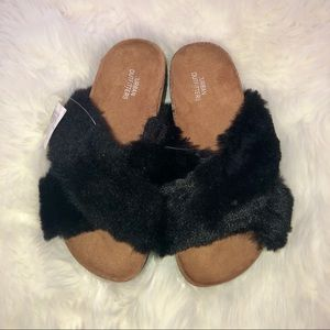 Urban Outfitters Criss Cross Faux Fur Slide Size 6